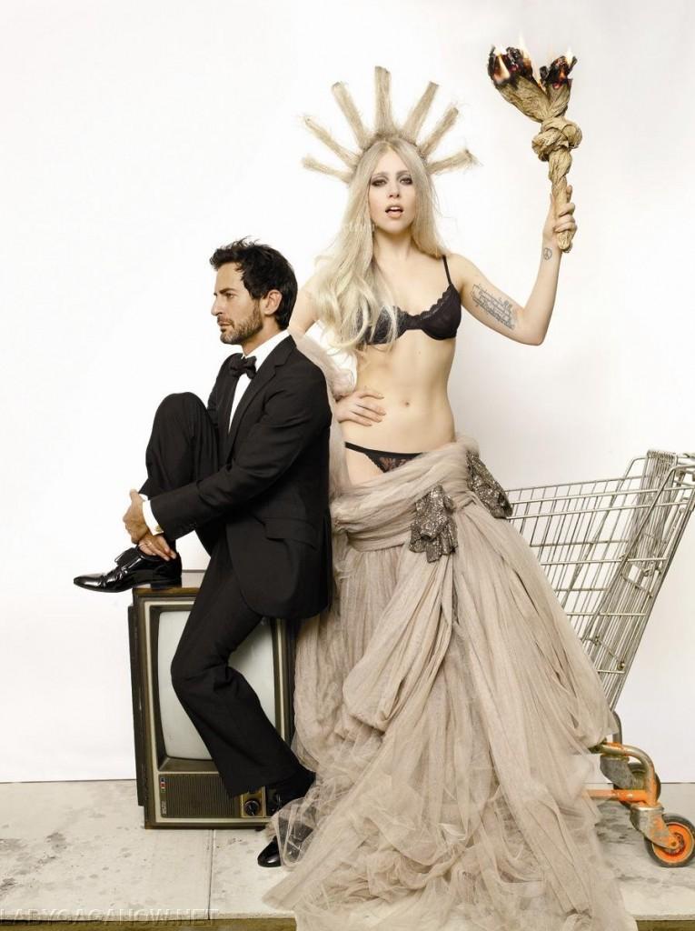 Les dessous Célèbres : Lady Gaga pour V Magazine