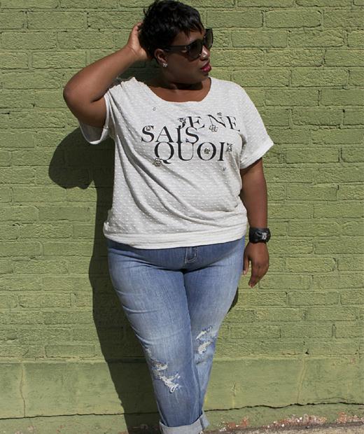 T-shirt Je ne sais quoi porté par Jeniese du blog du même nom