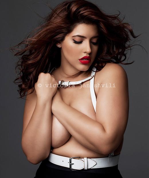 Femmes plus de 40 seins