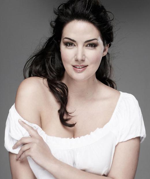 Johanna Dray une des mannequins grande taille française célèbre