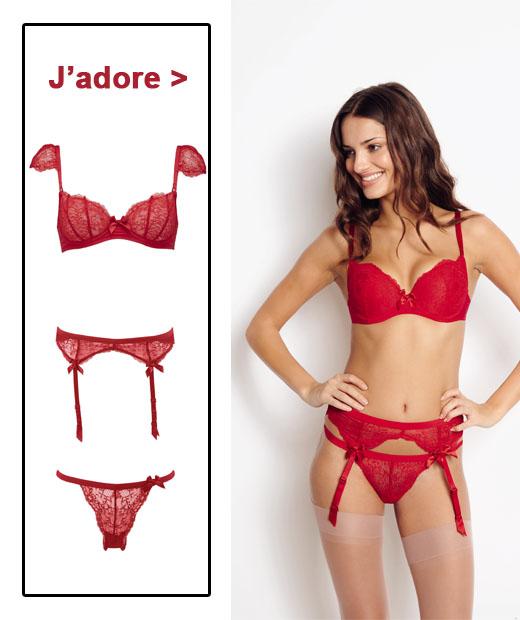 Ensemble de lingerie : soutien-gorge, porte-jarretelles, et string de la ligne Nouvel Emoi de Huit