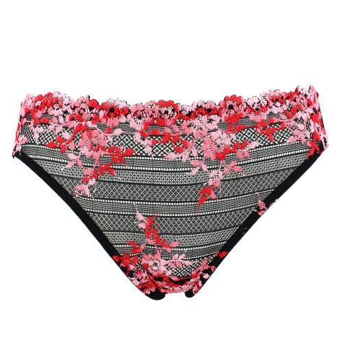 3caeff1df slip-classique-wacoal-embrace-lace-noir-et-broderie-rouge-20700 500x500.jpg